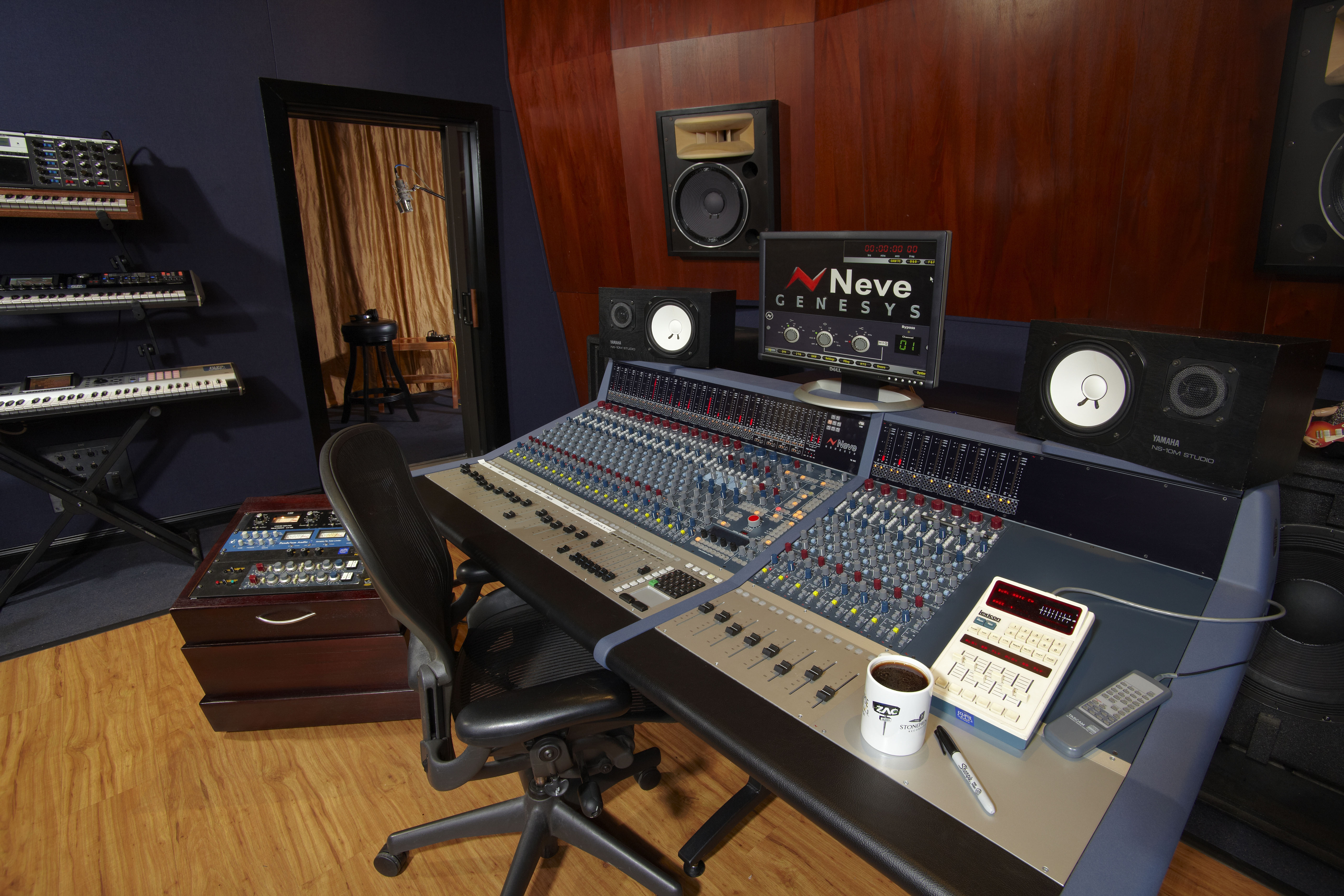 Neve Room booth